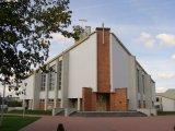 Brama z placem kościelnym