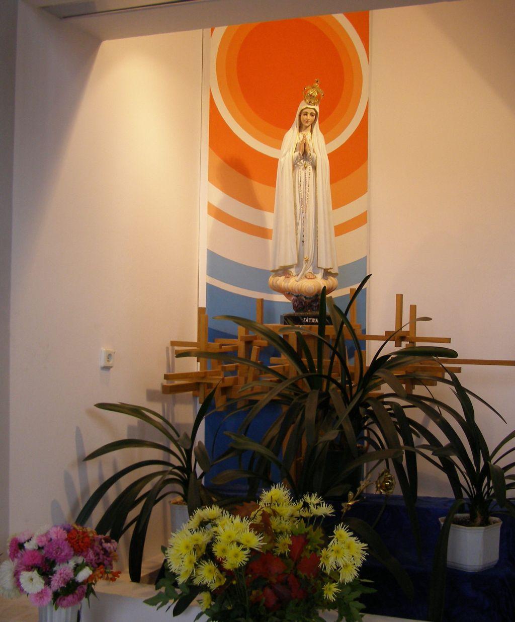 Figura Matki Boskiej Fatimskiej